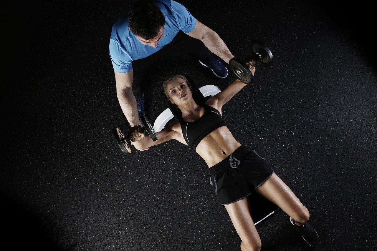 Trabajo deportivo: Entrenador, organización de eventos deportivos, masaje deportivo y un largo etcétera.